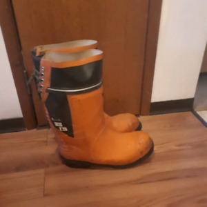 Viking safety boots mens size 12