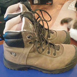 EUC Women's Dakota Anti-Slip Steel Toed Work Boots
