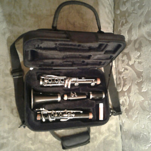 Buffet Crampon B12 Bb Student Clarinet and Carry Case