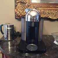 PRACTICALLY BRAND NEW TITANIUM NESPRESSO VERTUOLINE COFFEEMAKER