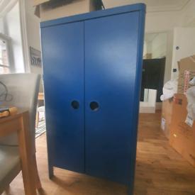 Busunge blue children's wardrobe