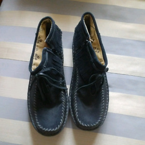 Womens beautiful size12 leather moccassins