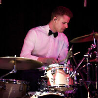 DRUMMER LOOKING TO GIG AND JAM