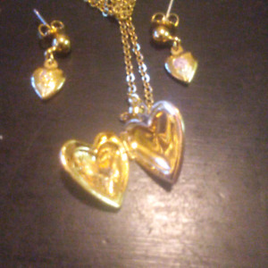 Gold Tone Necklace \ Earring Set