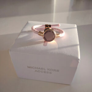 Michael Kors Crosby Activity Tracker - Rose Pink - like new