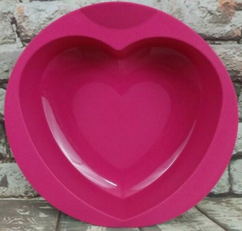 "Tupperware New ~ 8.5"" x 8"" ~ Silicone Baking Form Heart Shape Mold Pink"