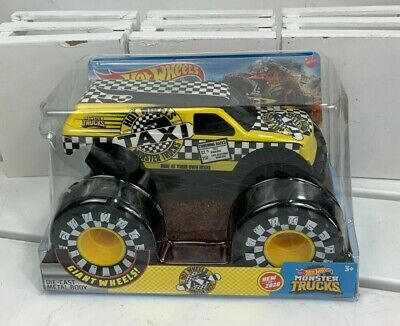 Hot Wheels Monster Trucks Taxi 1:24 Giant Wheels!.