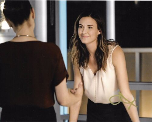 Odette Annable Supergirl Autographed Signed 8x10 Photo COA #11