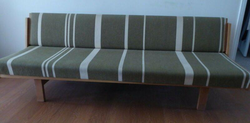 hans wegner GE6 sofa daybed