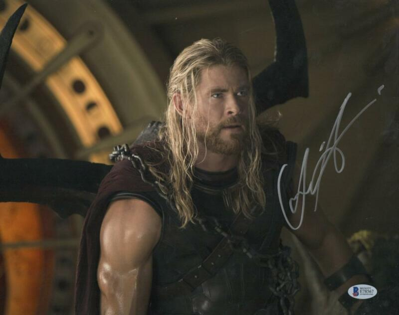 CHRIS HEMSWORTH THOR SIGNED 11X14 PHOTO THE AVENGERS AUTOGRAPH BECKETT COA Q