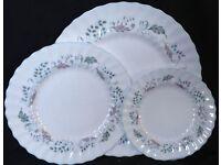 A Fine selection of Glen Auldyn Royal Doulton Porcelaine.