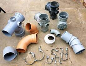 PLUMBING PIPE FITTINGS 17 PIECES BRAND NEW.