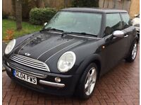 2004 Mini Cooper. Carbon fibre roof and stripes. Full service history. 12 Months MOT