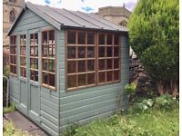 summer house / playhouse / shed