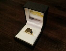 Solid 9ct Gold Cushion Signet Ring - Official 9ct Hallmarked *Size Q*