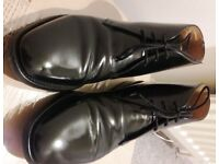 GREAT DEAL/ Loake 209 Black polished ankle chukka boot