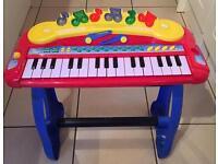 Children's toy organ / piano