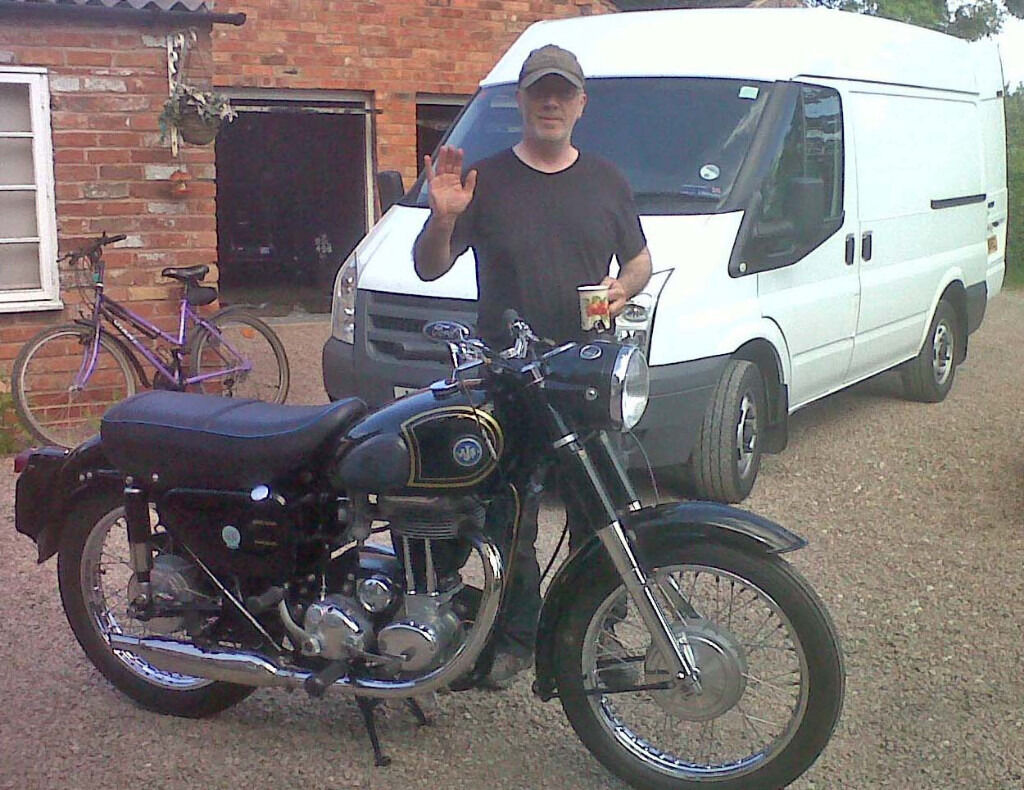 MAN AND VAN HIRE CLASSIC BIKE VINTAGE MOTORCYCLE MODERN MOTORBIKE COLLECTION & DELIVERY TRANSPORT