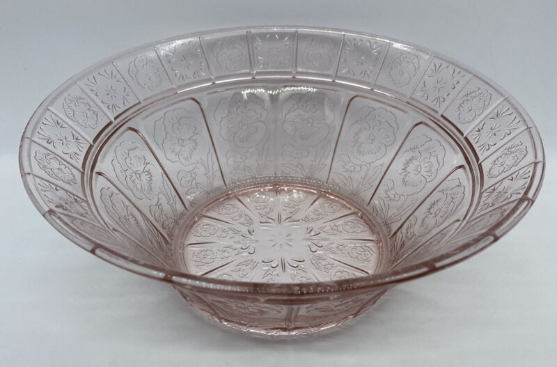 Jeannette Glass DORIC Pink Large Round Berry Bowl or Vegetable Bowl