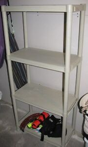 Etagere Rubbermaid Shelf