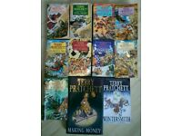 Collection of 11 Discworld (Terry Pratchet) novels