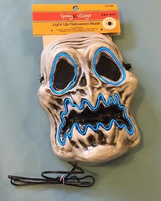 NWT! Spooky Village Adult Halloween Fright Night Light-Up Mask Wailing Wraith](Spooky Masks)