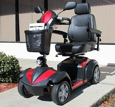"NEW.Drive VENTURA418CS Ventura Power Mobility Scooter, 4 Wheel, 18"" Folding Seat"