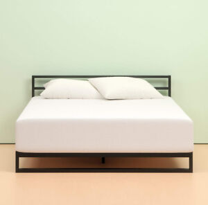 """**MEMORY FOAM DOUBLE MATTRESS** (12""""thick and almost new!!)"""