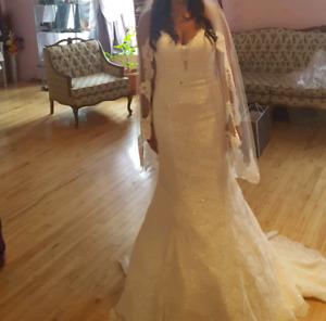 Allure 9107 Wedding Dress