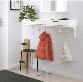 Floating shelf with drawers