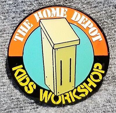 """LMH PINBACK Pin HOME DEPOT Kids Workshop BIRDHOUSE Bird Feeder Squirrel 1"""""""