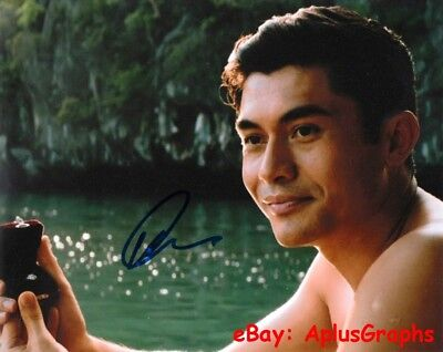 Henry Golding   Crazy Rich Asians Nick Young   Signed