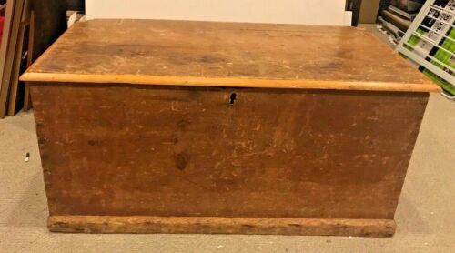 Local Pickup Antique Brown Wood Wooden Blanket/Dowry Chest/Trunk Possibly Pine