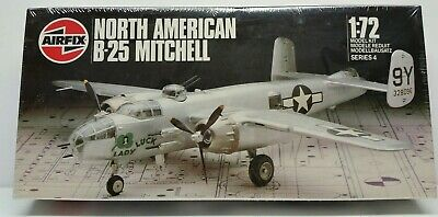 VTG 1986 Airfix North American B-25 Mitchell WWII US Bomber Aircraft Model 1/72