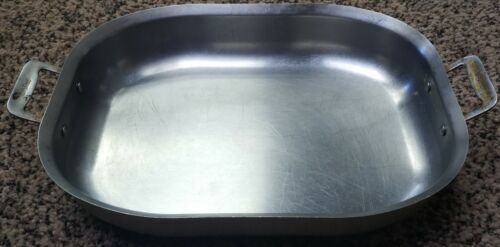 Bon Chef 60023CLDHF Stainless Steel Induction Bottom Cucina Oblong Pan