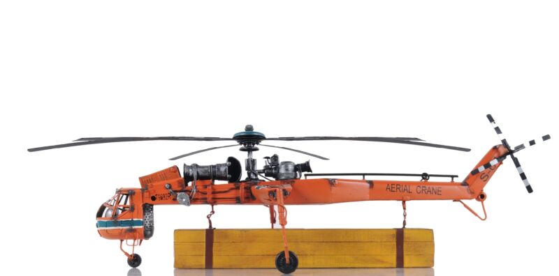 All Metal Aerial Crane Lifting Helicopter Helicopter Model