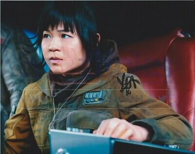 Kelly Marie Tran AUTOGRAPH Star Wars SIGNED IN PERSON 10x8 Photo OnlineCOA