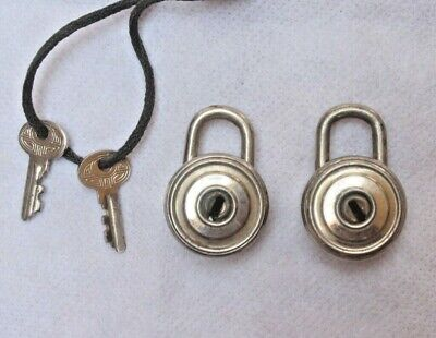 INDIAN VINTAGE UNIQUE HAND MADE ORIGINAL IRON MINI  PAIR LOCKS WITH KEYS BR 142