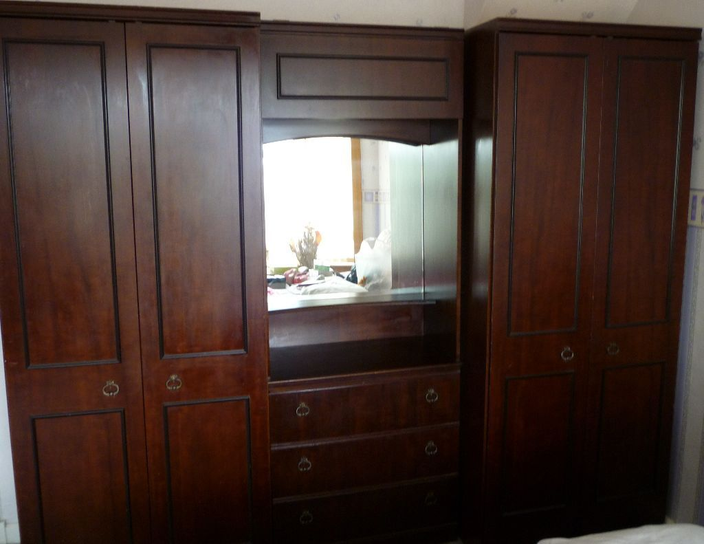 Bedroom dressing table and cupboard - Solid Wood Bedroom Unit 2 Wardrobes And Dressing Table