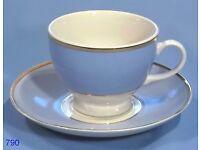 VINTAGE DOULTON Tea cups, saucers, side plates & bowl set collectibles
