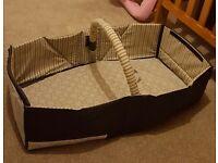 Infantino travel bed / cot / bassinet