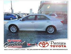 2014 Toyota Camry Hybrid XLE Local One Owner, Navi, Backup Ca...