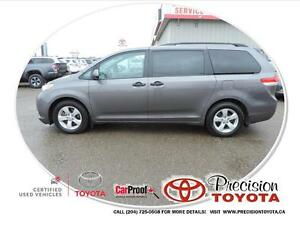 2014 Toyota Sienna 7 Passenger Local One Owner, Bluetooth