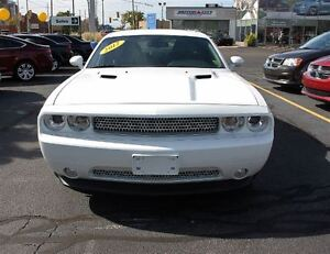 2012 Dodge Challenger R/T Low K's Sun Roof Heated Leather Seats  Windsor Region Ontario image 2