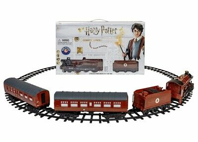 Lionel Hogwarts Express Ready To Play Battery Powered RC 37 Piece Train Set