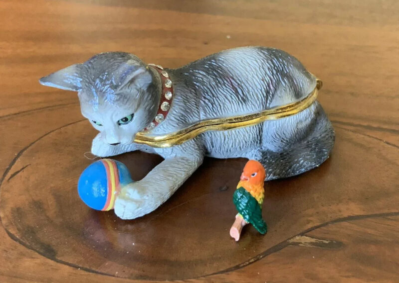 Willabee & Ward Bejeweled Enameled Cat Hinged RETIRED Trinket Box Kitty Kitten
