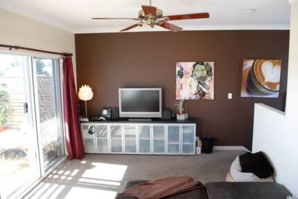Inner City Fringe Studio Apartment. Fully Furnished Forestville