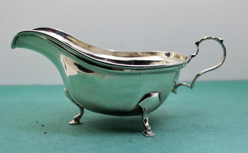 """Vintage sterling silver gravy boat C.W.F Sheffield 1936 hoof footed 139 gr 7"""""""