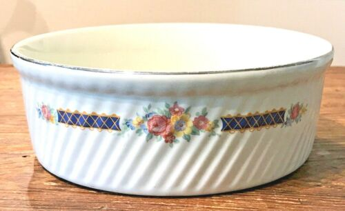 """HALL SUPERIOR QUALITY KITCHENWARE BLUE BOUQUET 7-7/8"""" FRENCH FLUTED BAKER Used"""