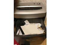 Fellowes Cross Cut Shredder High Security 12 Sheet Feed, Destroys Dvd Discs and Credit Cards